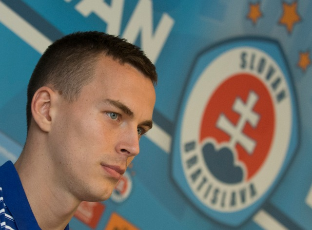 Na snímke kapitán A-mužstva ŠK Slovan Boris Sekulič