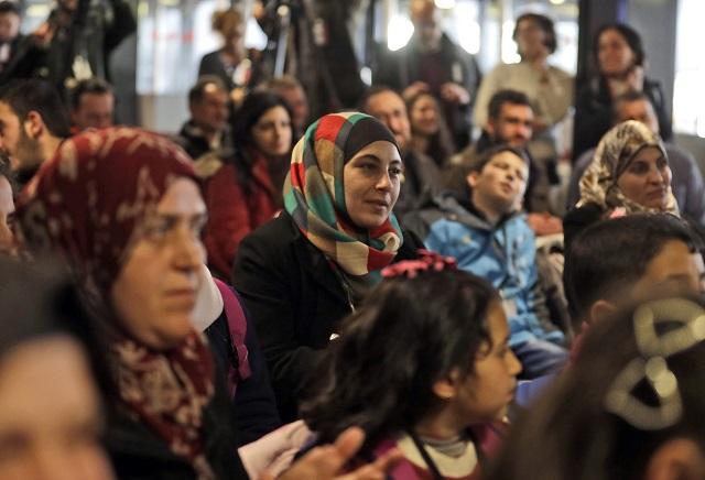 Nemecko: Takmer všetci azylanti môžu zostať natrvalo