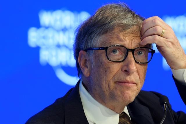 Na snímke americký miliardár Bill Gates