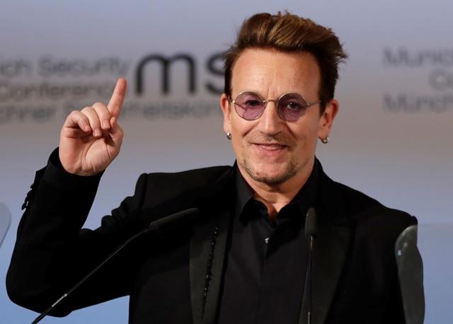 Na snímke írsky spevák Bono