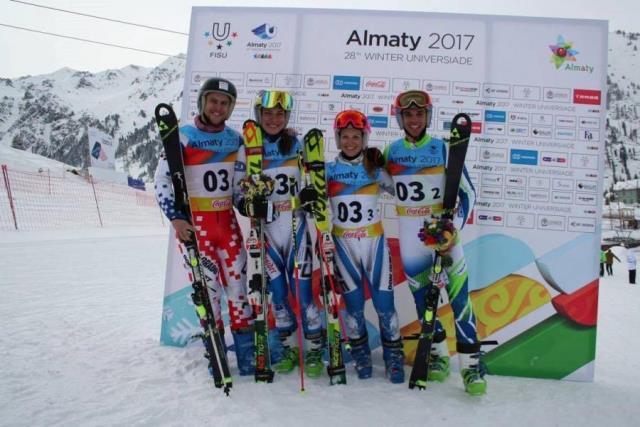 Prvé zlato vybojovalo družstvo Českej republiky v alpskom lyžovaní v paralelnom preteku zmiešaných družstiev v zložení Martina Dubovská, Tereza Kmochová, Daniel Paulus, Adam Zika.