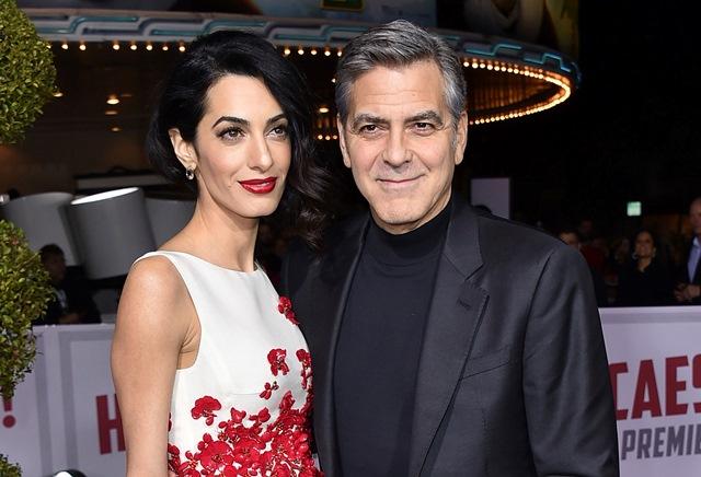 Na snímke manželia Clooneyovci