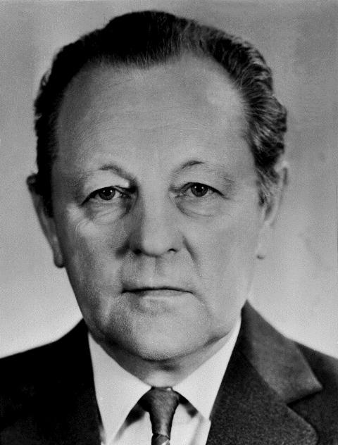 Na snímke z roku 1987 Miloš Jakeš, generálny tajomník ÚV KSČ