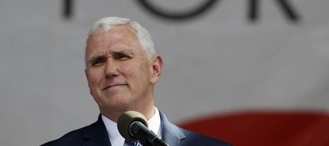 Na snímke americký viceprezident Mike Pence