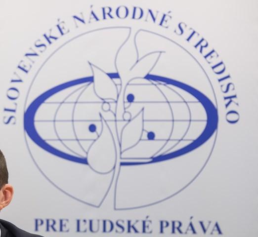 Na snímke Slovenského národného strediska pre ľudské práva
