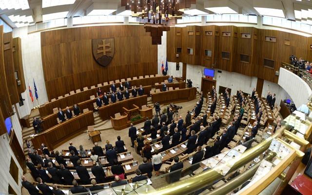 Na snímke poslanci slovenského parlamentu