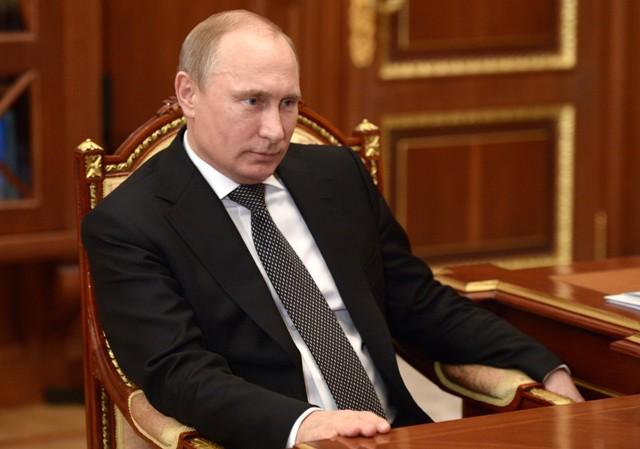 Rusko se zbavuje amerických dluhopisů. Co se děje?