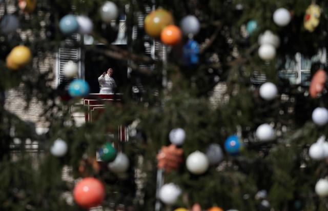 8f7d2712c Vatikán: Vianočný stromček aj betlehem ožiarený - Hlavné správy