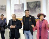 Na snímke Drahoš Daloš, Miloš Zverina a Milka Zimková otvorili vernisáž výstavy Čaro slovenského ornamentu