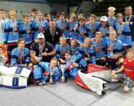 Na snímke  slovenskí hokejbalisti