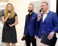 Na snímke Príhovor umelca – kurátora M. Ševčoviča. V strede umelecký fotograf P. Čintalan a N. Obydina – pracovníčka Slovenského inštitútu Moskva