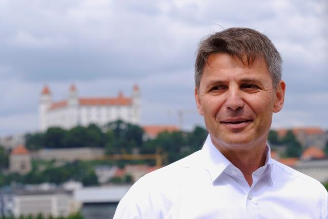 a415b3242a1a Nesrovnal  Bratislava sa konečne prebrala