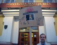 Na snímke účastník protestu