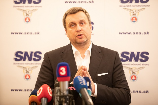 561776420e1a9 Danko rázne: SNS odíde z vlády, ak Slovensko prijme 105 mil. dolárov ...
