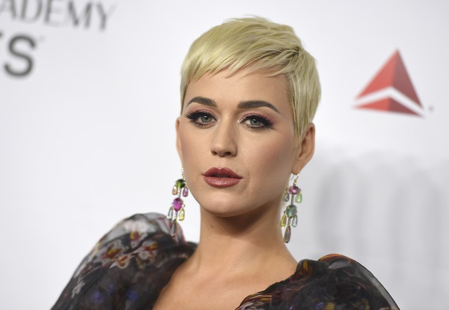 pripojiť Katy Perry Zoznamka pre seniorov v Calgary