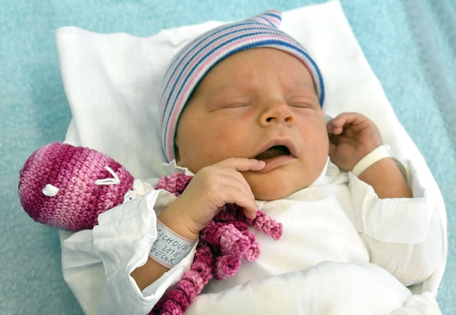 1427fada0432c Žena s dvomi maternicami porodila mesiac po prvom pôrode dvojčatá ...