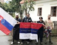 Na snímke účastníci Slovenského Národného Pochodu na Bradle