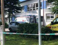 Policajti zasahujú na základnej škole vo Vrútkach. Malo tam dôjsť k napadnutiu pracovníkov školy neznámym mužom