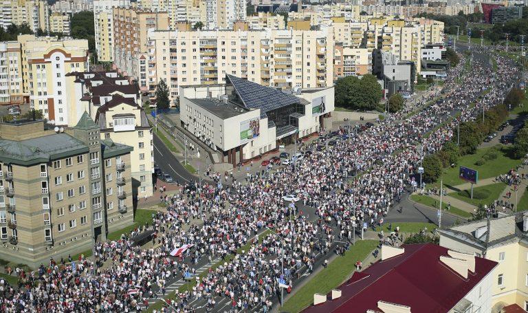 pochod hrdinov stúpenci bieloruská opozícia