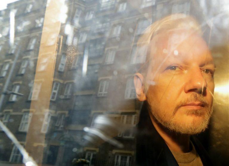Julian Assange, WikiLeaks, súd