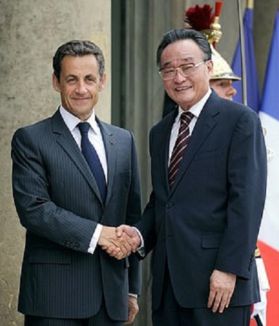 Wu Banggu s bývalým francúzskym prezidentom Sarkozym