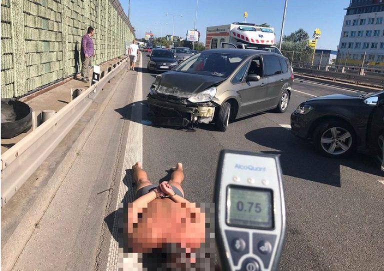 Opitý šofér spôsobil nehodu na diaľnici, v aute viezol tri deti