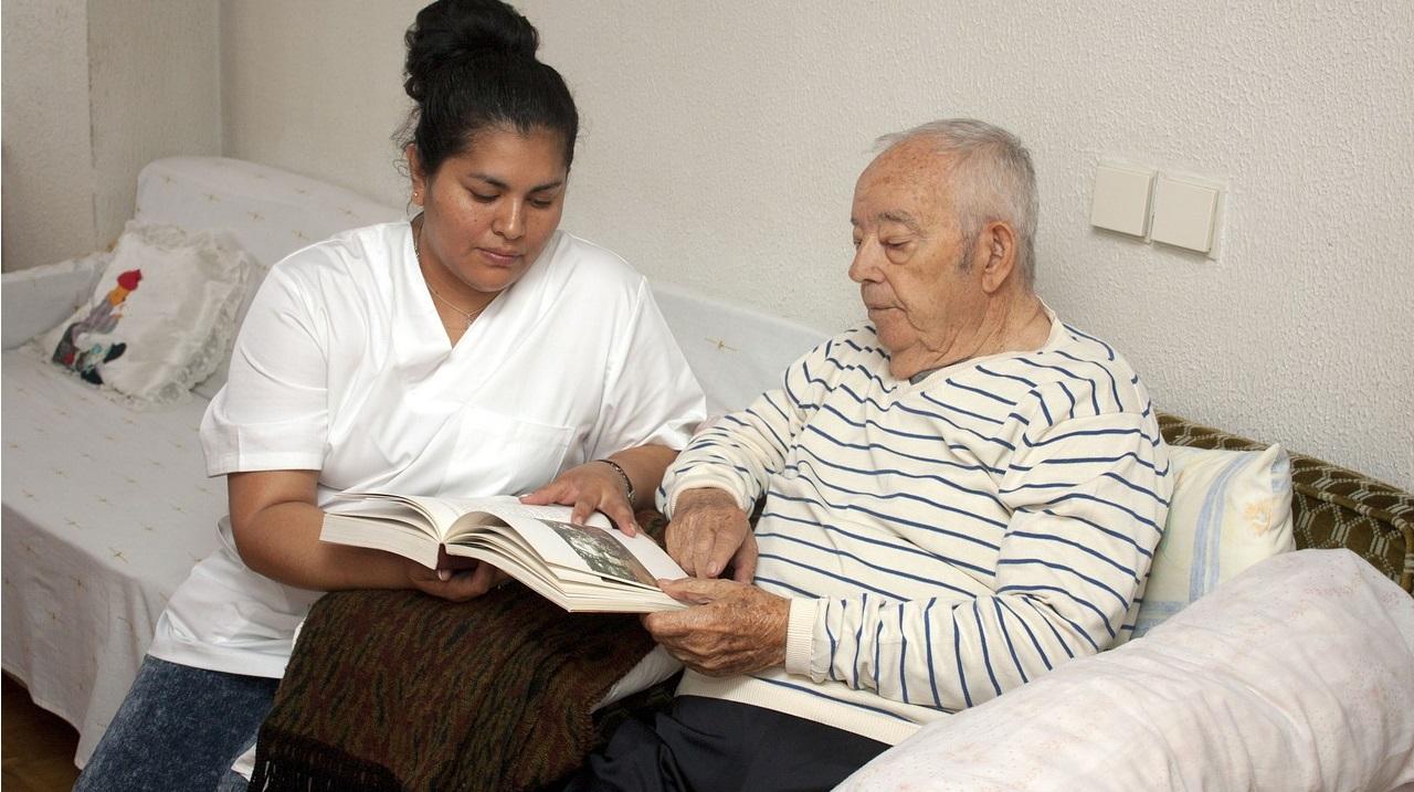 senior Alzheimer dôchodca