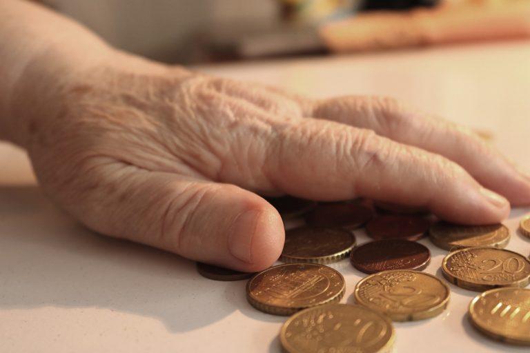 senior mince peniaze eurá chudoba