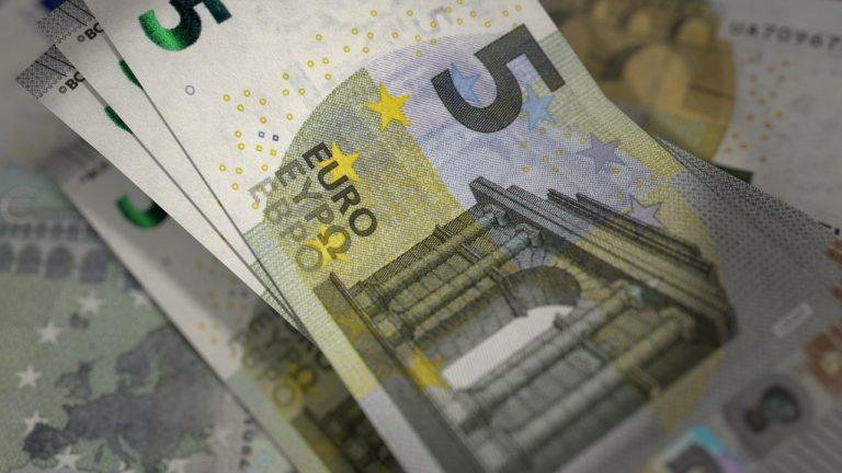 peniaze bankovky eurá