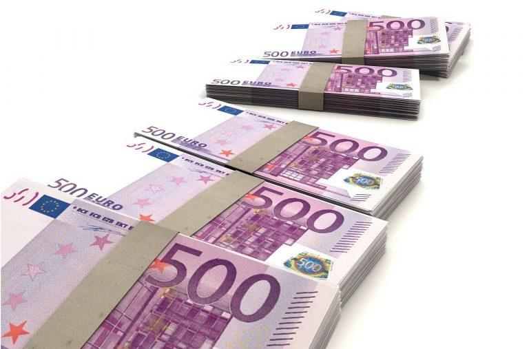 bankovky, peniaze, eurá