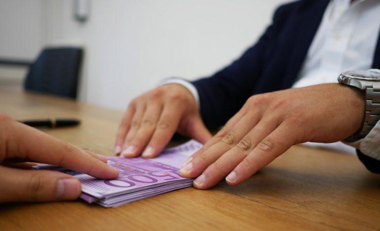 úver banka hypotéka bankovky
