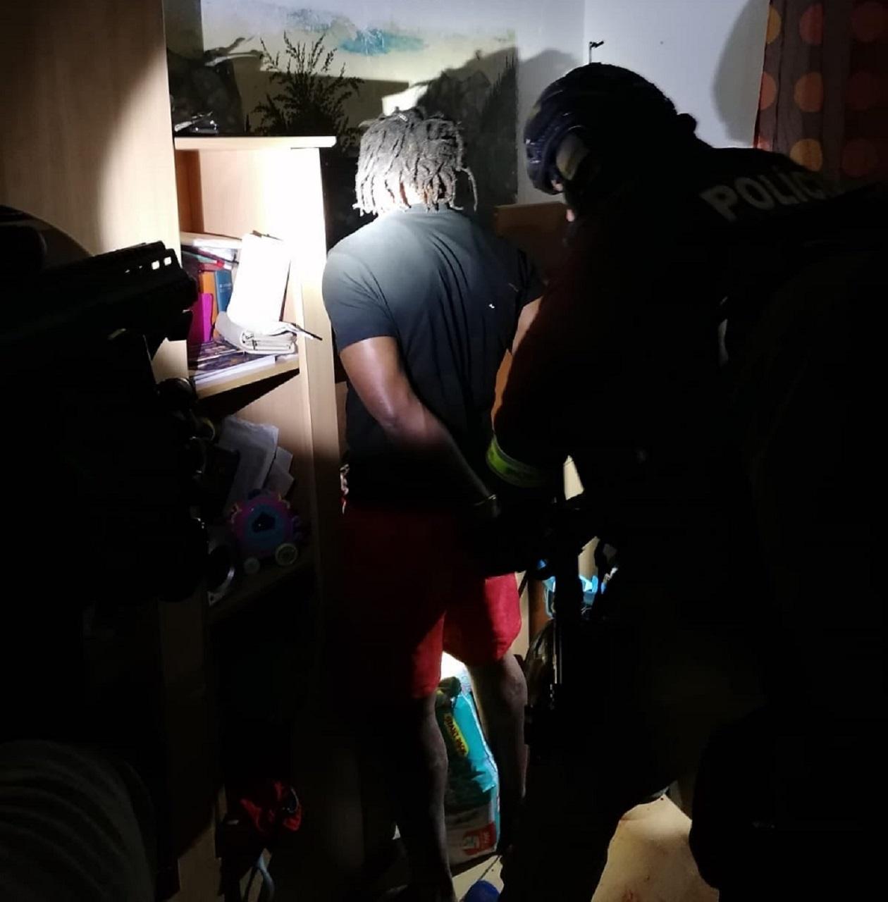 V Krompachoch zadržala polícia medzinárodne hľadaného Afričana