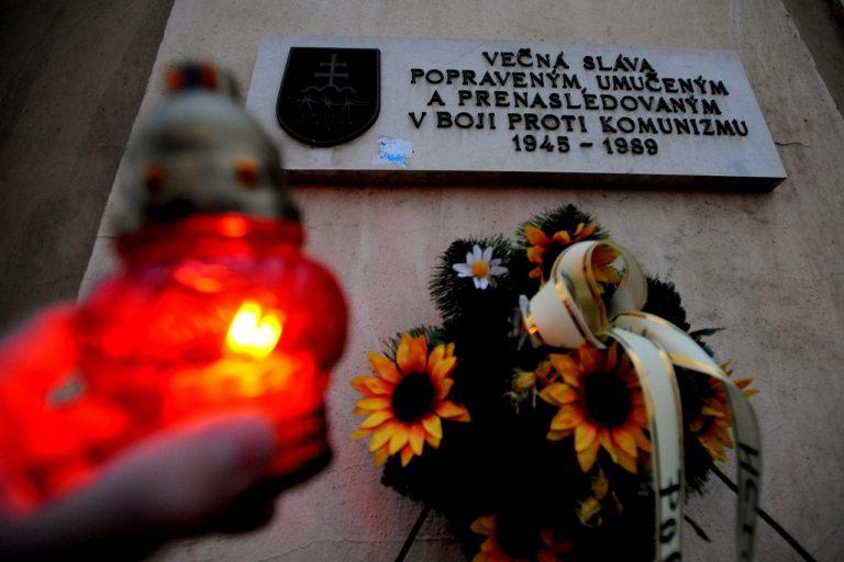 pamätná tabuľa obetiam komunizmu