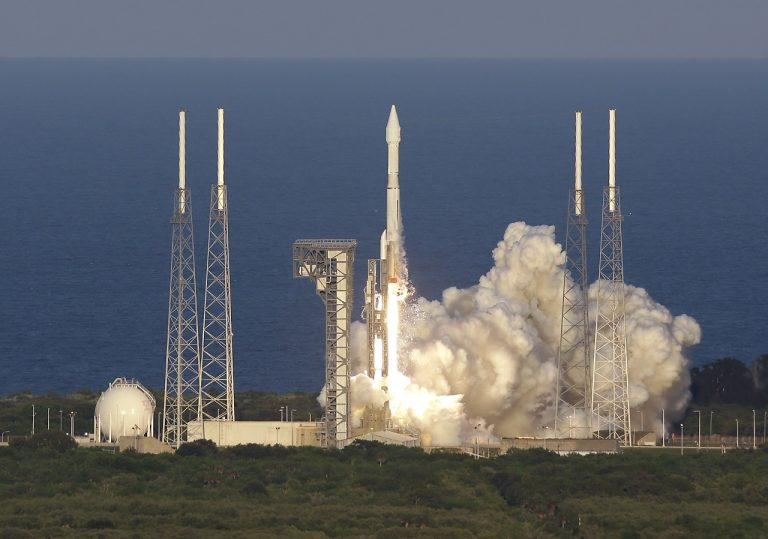 USA NASA sonda OSIRIS-REx štart let asteroid Bennu