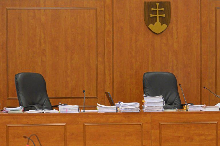 súd, pojednávanie, dph