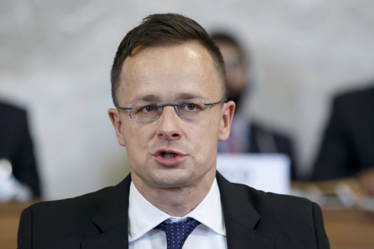 Péter Szijjártó, Ma´darsko, minister