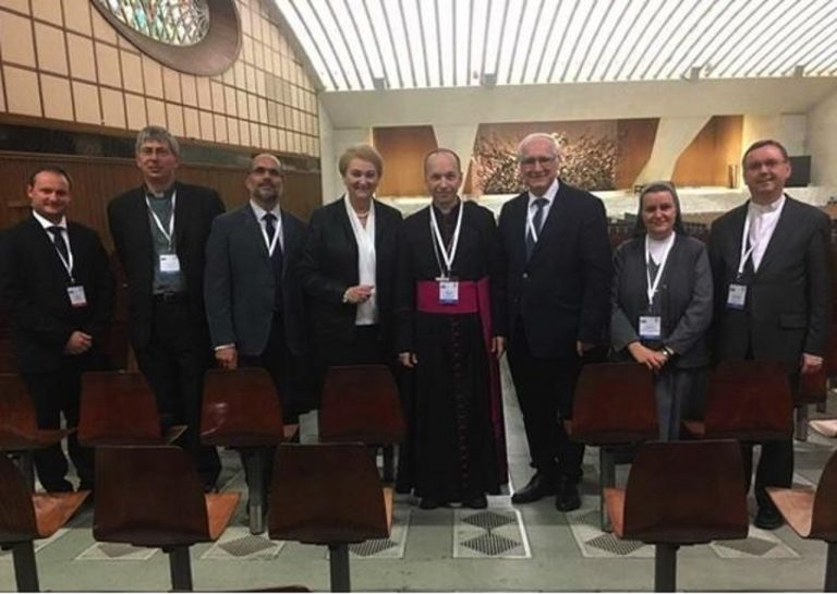 Účastníci plenárneho zasadania
