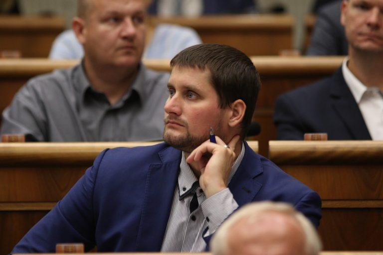 Martin Beluský, poslanec, asistenti, previerky