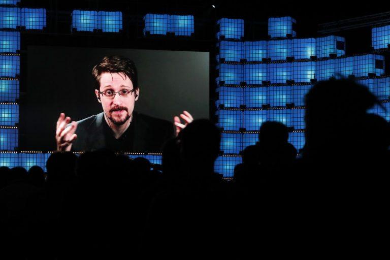 Edward Snowden, Rusko, povolenie na pobyt
