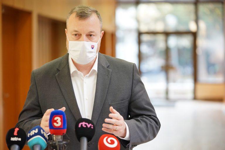 Milan Krajniak, minister, pomoc, rodiny