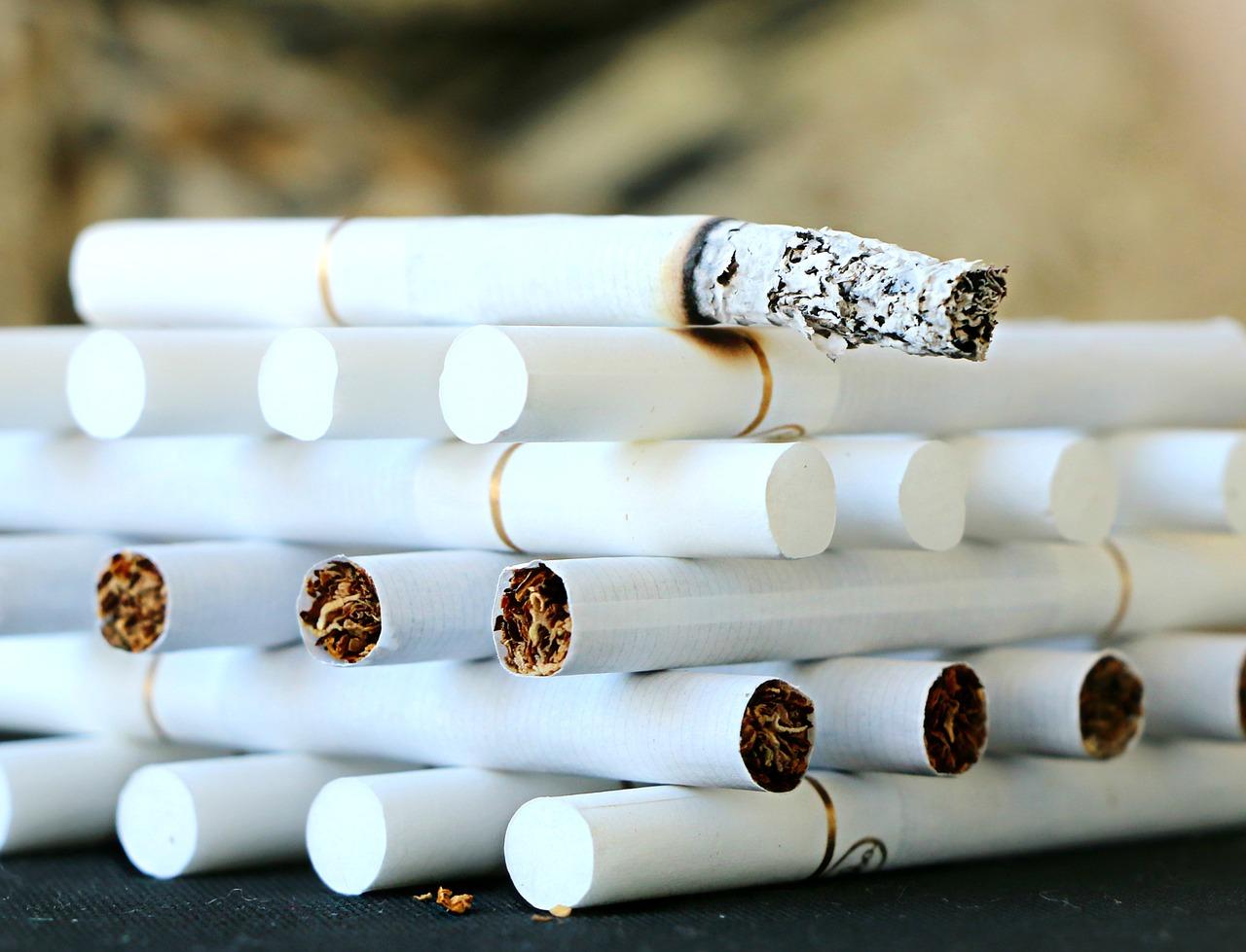 cigareta fajčiť fajčenie