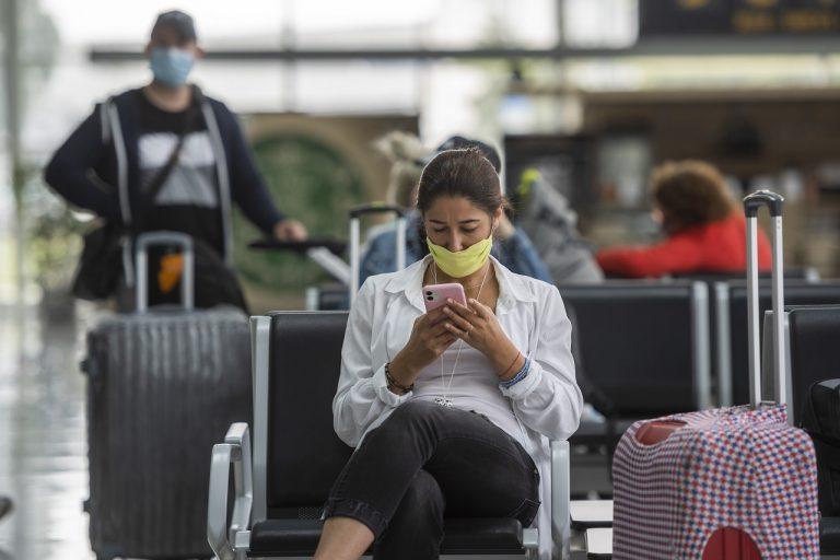 cesta cestovať kufor cestujúci letisko