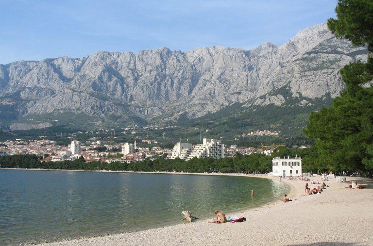 Chorvátsko Makarska pláž more dovolenka