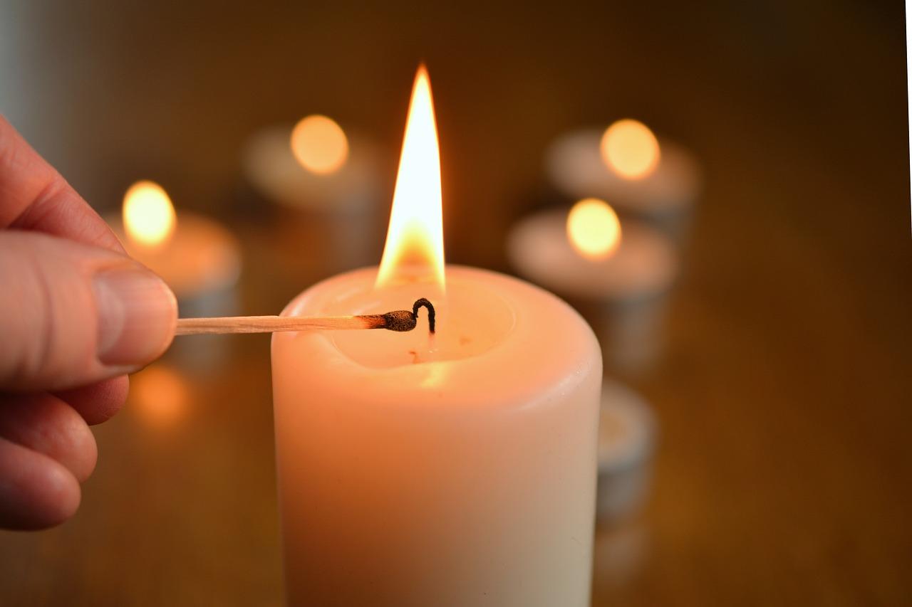 svieca sviečka