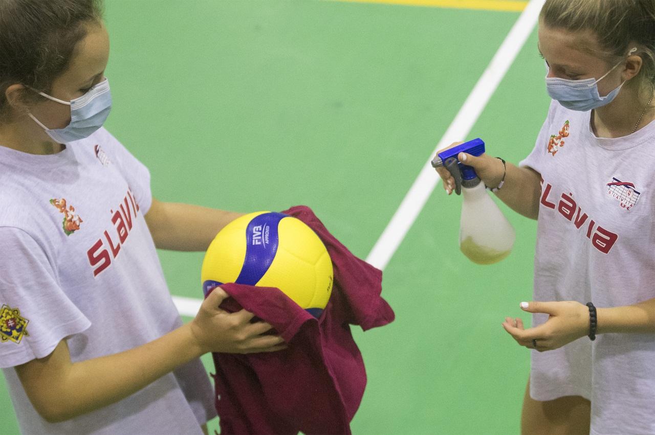 dezinfekcia volejbalová lopta
