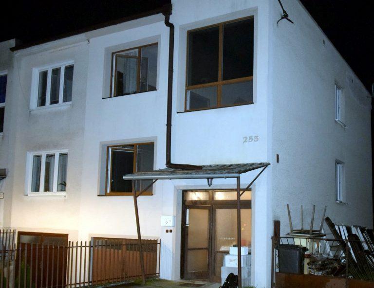 POLÍCIA: Po požiari bytu našli mŕtveho muža