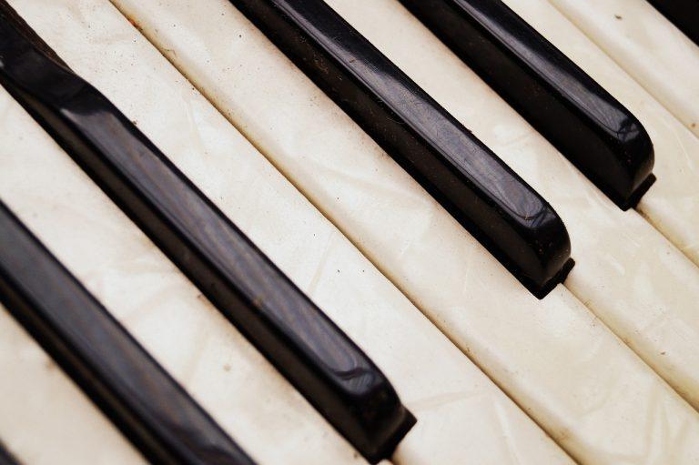 akordeón, klávesy