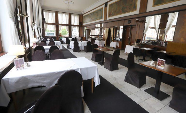 reštaurácia prázdna korona covid opatrenia stravovanie