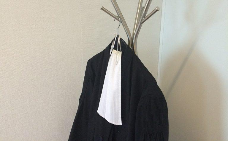 talár súd sudca