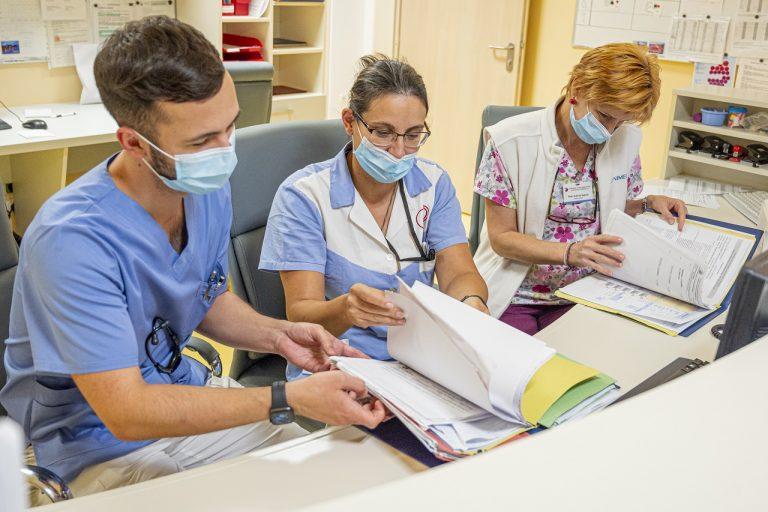 lekár, nemocnica